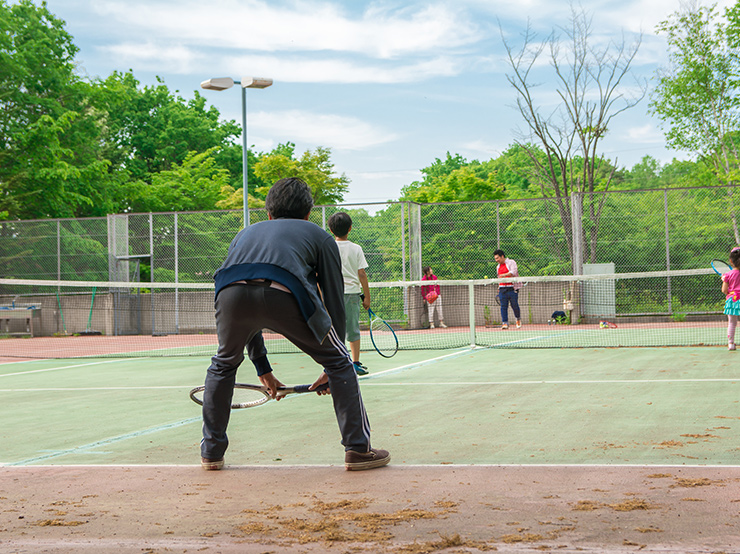 Tennis   500 yen / 1 hour for 1 court